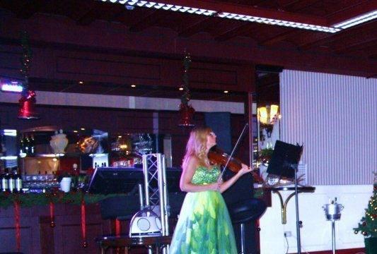 Optreden Ninia Lazaar